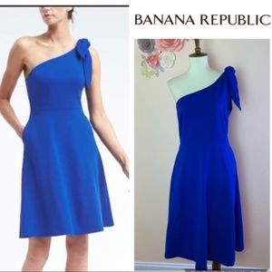 New! BANANA REPUBLIC One Shoulder Ponte Fit Dress